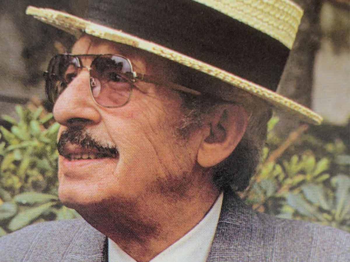 Nino Taranto con paglietta